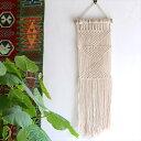 マクラメ・タペストリー流木を編み込んだ手作りナチュラル・BOHO Decor,の写真