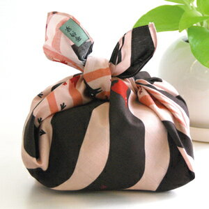 Today from kurochiku small furoshiki Kyoto cute small furoshiki lunch bag such as to how cute wrapping