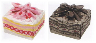 Today small furoshiki wrapping Shortcake pattern becomes a lunch bag, cute wrapping