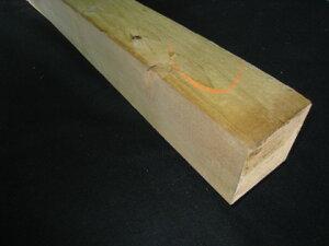 杉角材【長さ1.82m×厚さ9.0cm×巾9.0cm】