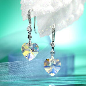 A magical glow. ☆ Swarovski crystal earrings swing heart / Aurora
