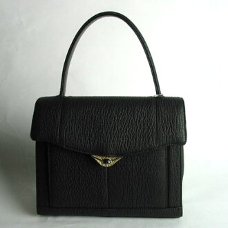 A sharkskin handbag: NRL-3886fs3gm
