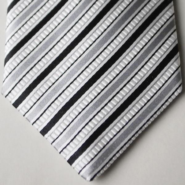【日本製・モーニング用】チーフ付の絹100%の...の紹介画像3