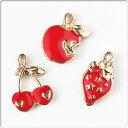 ショッピングさくらんぼ ゴールド×ジューシーレッド フルーツチャーム パーツ ハンドメイド 手作り 赤 果物モチーフ りんご さくらんぼ いちご イチゴ アップル チェリー ストロベリー アクセサリークラフト