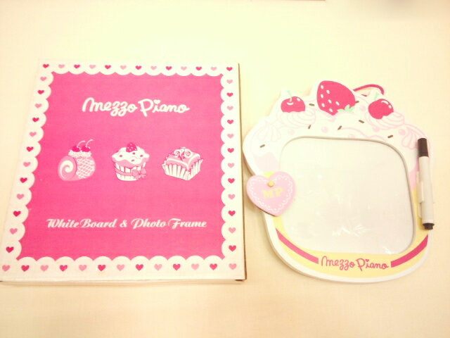 【単品での購入は不可となります】《非売品》ブランド関係なく6万円以上お買い上げでプレゼント〜メゾピアノ限定スウィートケーキ柄ホワイトボード