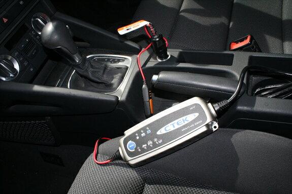 装着簡単☆バッテリーは常時満タン!シーテック(CTEK)バッテリー充電器《US3300》OPTIONシガーライターソケット付き アウディ・フォルクスワーゲン・ランボルギーニ