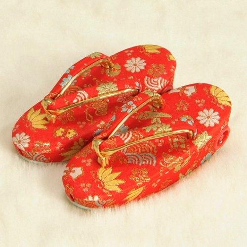 七五三 草履単品 3歳用 赤地色 宝尽くし文様 かかと鈴使い 小サイズ 日本製...:kyoubi:10001246
