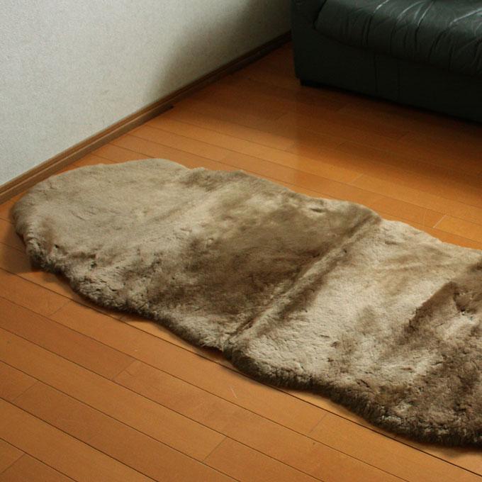 ふんわりあったかムートン(羊毛皮)短毛フリース(2匹タイプ)約60x180cm【宅配便送料無料】 10P18Jun16