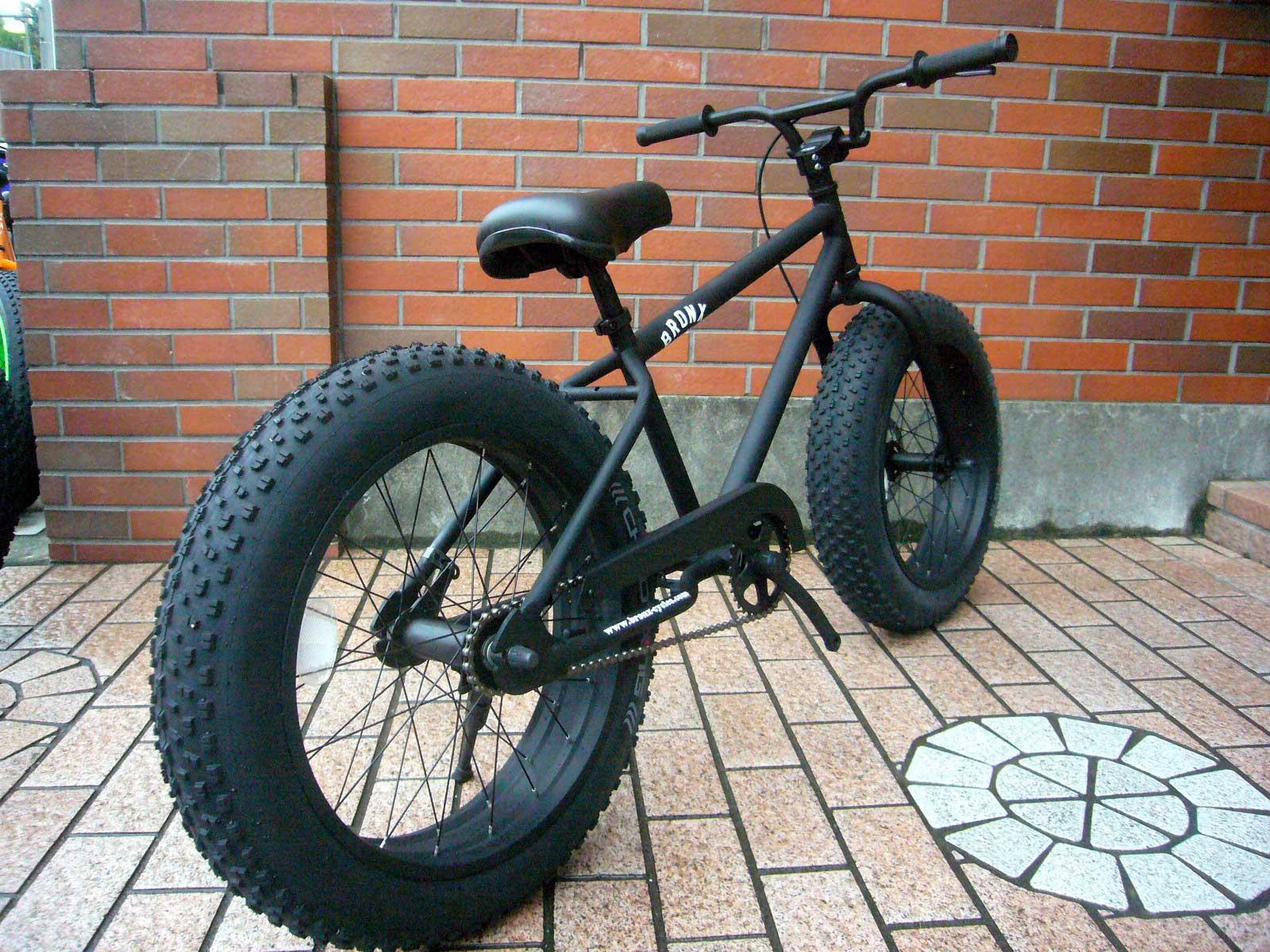商品番号 BRONX 20inch-Fatbike-black-bk