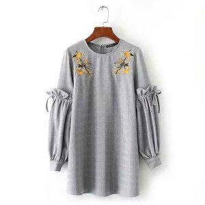 袖コンシャスなポイント刺繍入りIラインワンピース ■