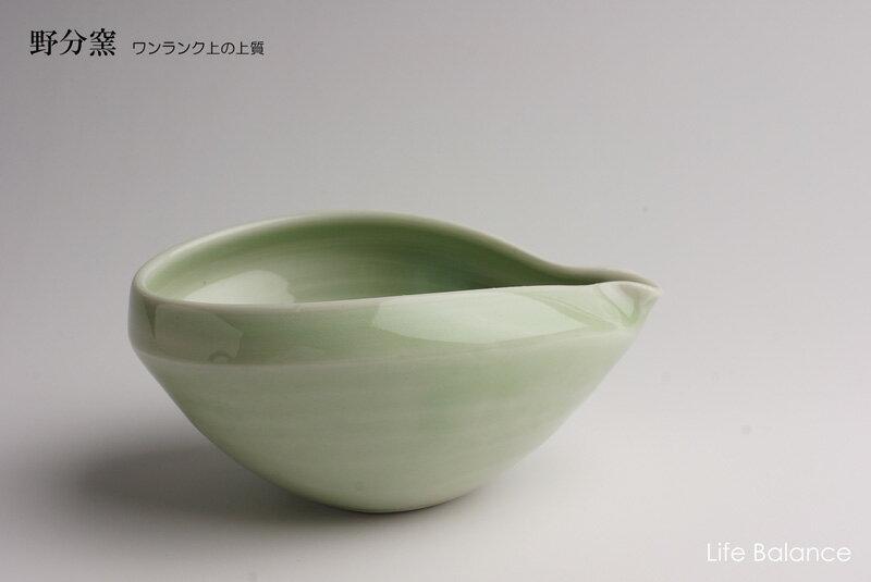 【野分窯】 広兼行男 若草釉 たわめ片口小鉢 02