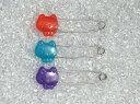ブローチピン かわいい ねこ (クリスタル) 透明感タイプ コスプレ/ゼッケン/名札用/エステ用ベットシート/鍵 構造安全ピン