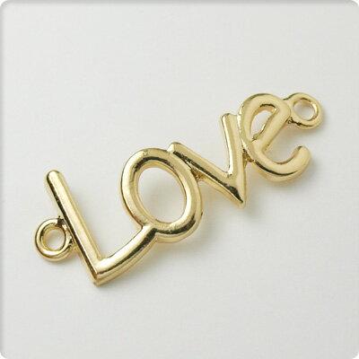 【アクセサリーパーツ】『LOVE』レターチャーム2個セットゴールドハンドメイド/DIY