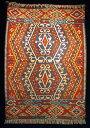 カイセリ産手織キリムの中でも上質クラス!織りと色合いの美しさはマンモスの折り紙つき。中央...