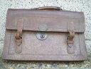 骨董品みたいな古い革製学生カバン「中古品-難あり」 ★かなり古い物です。【中古販売】委託販売品です!