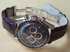 時計ベルトをモレラートのアマデウスに交換したオメガ スピードマスタープロフェッショナル(アポロ15号35周年記念)