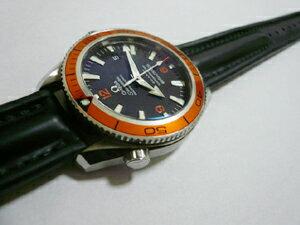 時計ベルトをモレラートのケイマンに交換したオメガ シーマスタープラネットオーシャン