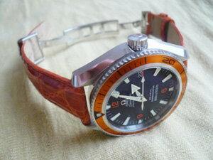 時計ベルトをモレラートのアマデウスとディプロヤンテに交換したオメガ シーマスタープラネットオーシャン