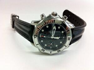 時計ベルトをモレラートのケイマンに交換したオメガ シーマスタークロノグラフ
