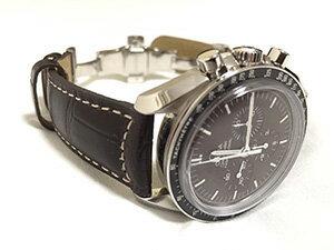 時計ベルトをモレラートのグットゥーゾに交換したOMEGA スピードマスター プロフェッショナル 50周年記念