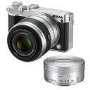 《新品》 Nikon(ニコン) Nikon 1 J5 ダブルズームレンズキット シルバー【Sandisk microSDHCUHS-I8GBプレゼント】[ ミラーレス一眼カメラ | デジタル一眼カメラ | デジタルカメラ ]【KK9N0D18P】