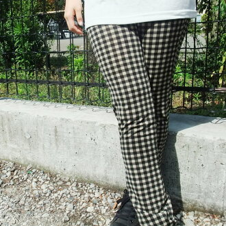 Mesh-like leggings gingham checked pattern