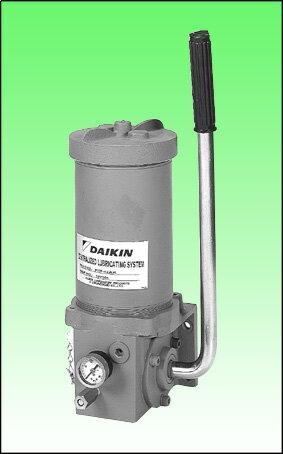 ダイキン潤滑機設(株)製 ハンドル操作が軽い21MpaKM型グリース用高圧手動ポンプ KM-42AK しろい