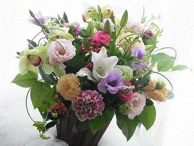 【送料無料】季節の1番輝いているお花を贈りませんか? 【開店】【開業】【発表会】【記念日】【楽屋祝い】【あす楽_土曜営業】【誕生日 花】