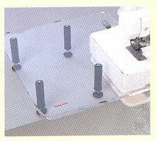 衣縫人クリアーテーブル