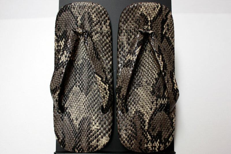 雪駄(せった)履物 ■紳士用合皮雪駄【蛇皮・黒色】LLサイズ(大きいサイズ)