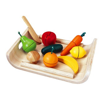 Plantoys assorted fruit & vegetable make-believe kitchen set 3-year-old: woman