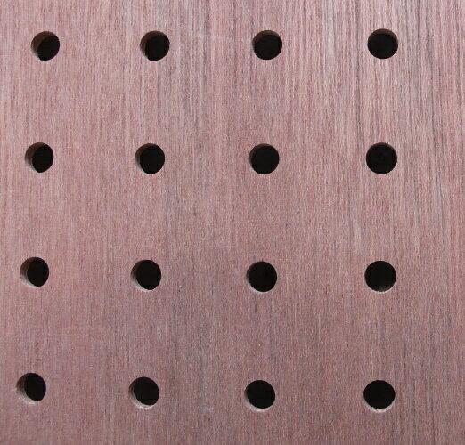 ベニヤ有孔ボード4x910x1820(厚みx幅x長さ)ミリ穴8ミリ、穴ピッチ30ミリ約3.6kg