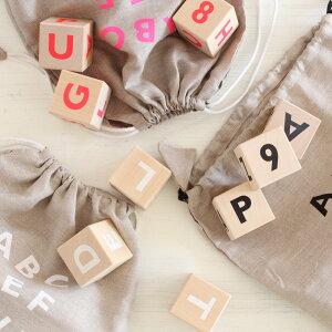 【送料無料】ooh noo(オーノー) Alphabet blocks 積み木 アルファベットブロック(black、white、neon pink)寝相アートに活躍。出産祝いや誕生日プレゼントに人気!【子供 知育玩具 1歳 2歳 3歳 木製玩具 木のおもちゃ クリスマスプレゼント 女の子 男の子】