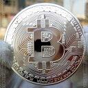 直径、約40mm・厚さ、約3mm・重さ、約30g・素材メタル銀メッキ仮想通貨のビットコインを擬似的に実現化させたメダルです。実際のビットコインではございません、もちろん金銭的価値はございませんので使用したりは出来ません。【注意事項】・海外製品につき、個体差があります。・商品出荷までに3営業〜5営業日程、頂く場合がございます。・画像では光の当たり方などにより、色合い等、実際と違うように映る場合がありますのでご了承ください。