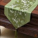 テーブルランナー 竹と梅デザイン 和モダン 光沢のある色合い タッセル付き (グリーン) 【送料無料】