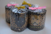 ★NEW★可愛いヒョウ柄トイレットペーパーダブル巻/個包装/4ロール★かわいいヒョウ柄トイレットペーパーを1ロールづつオシャレな包装紙で包みラッピングしました(^^♪香水の超いい香り付です♪ディスプレイ・贈答・プレゼントにも最適 05P01Oct16