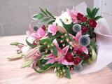 【】moriyaにお任せ、抱える大きさのボリューム花束。