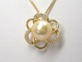 目を惹く美しいゴールド色♪K18スライド式ダイヤ入り白蝶パールペンダント(ゴールドナチュラルカラー)