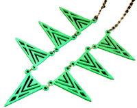 DCMR Jewelry ジュエリー アンティーク レトロ ポップ な 蛍光 カラー ギザギザ トライアングル モチーフ モード 感 漂う ネックレス