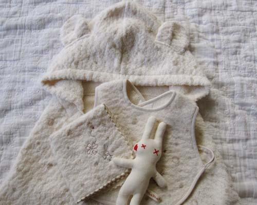 ≪箱入り≫≪薄茶水玉・うさぎ刺繍4点≫【赤ちゃん...の商品画像