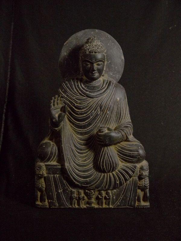 石仏 仏陀座像