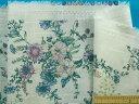綿プリント生地(サザンクロス)花 オフ白×紫