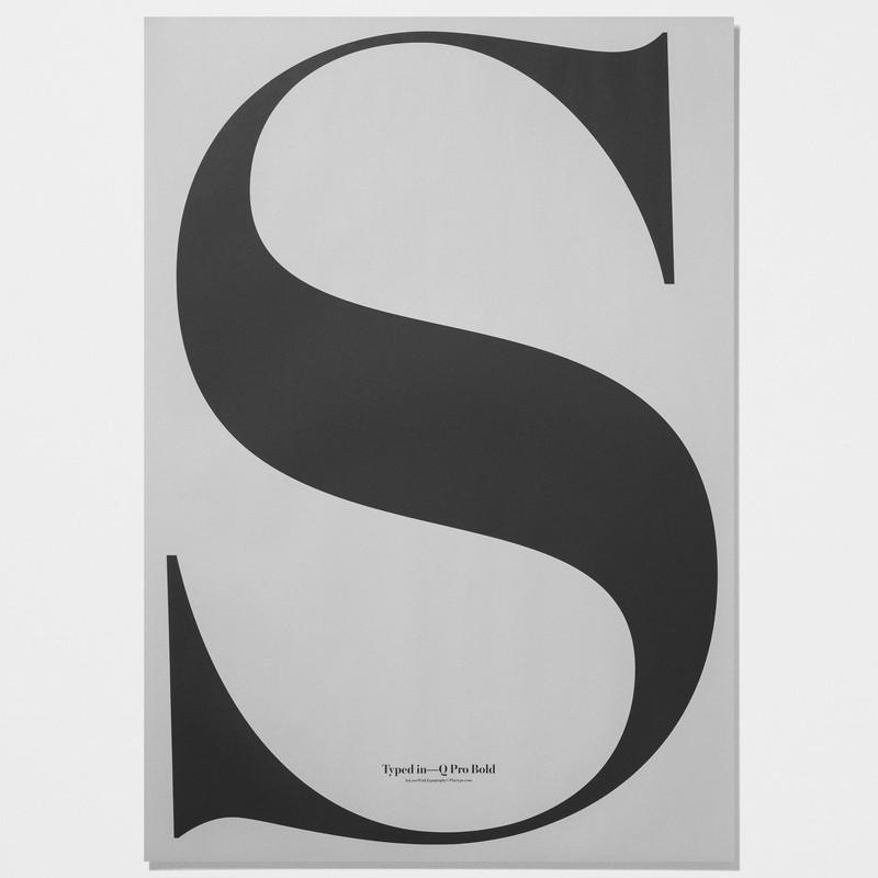 【在庫限り】S ビッグアルファベットポスター モノクロ Playtype プレイタイプ 北欧 デンマーク