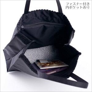 黒のシンプルなフォーマルバッグ
