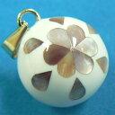 【特価&無料特典付き】★ 白 貝の花 20ミリペンダントトップ【ヒーリングボール ( オルゴールボール ハーモニーボール とも呼ばれています )】 プレゼント