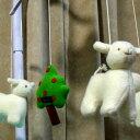 トラセリア ベッドメリー(ヒツジ)ムートンフリースツリー 白 ♪ブラームスの子守唄 オルゴール フランスのブランド【クリスマス 誕生日 出産祝い】 プレゼント
