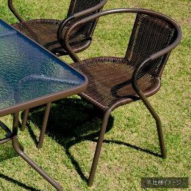 落ち着いた雰囲気のテーブル&チェア