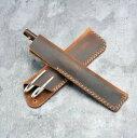 ペンケース 筆記具入れ ペンカバー レザー 皮 革 手造り レトロ スリム 小さい コンパクト おしゃれ かっこいい 贈り物 プレゼント 記念品 大人 社会人 カラバリ豊富