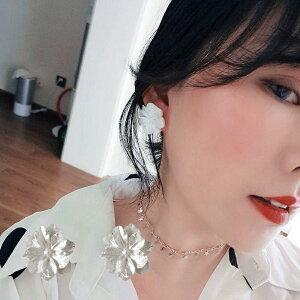 ピアス 花 フラワー 可愛い かわいい シンプル 白い花