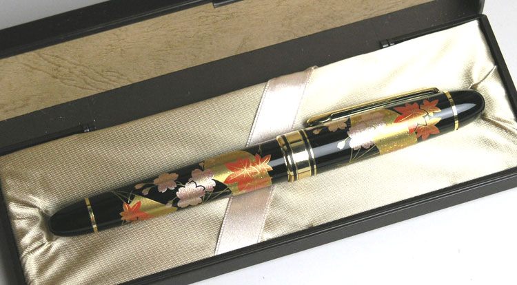 Maki-e fountain pen fan shunju